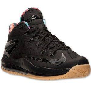 Nike Max LeBron 11 Low Gum 2014 Sneakers, 5Y